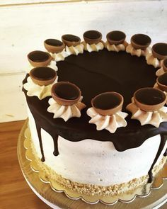 Toffifee torta | Masnis Szuflé Pastel Funfetti, Funfetti Cake, Sweets Recipes, Cake Recipes, Smoothie Fruit, Milk Cake, Cake Blog, New Cake, Blueberry Cake