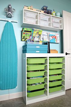 IHeart Organizing: Reader Raid: Lovin' Some Teal & Lime!...The kid's art stuff all in this neat and tidy corner...I like it!