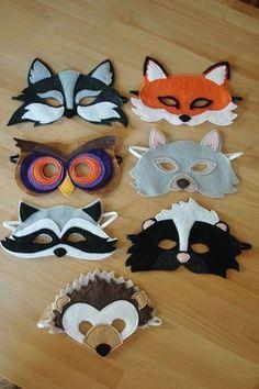 Máscaras de feltro para curtir o carnaval sem gastar dinheiro nem passar calor. Raccoon Mask, Owl Mask, Fabric Animals, Felt Animals, Kids Animals, Bird Wings Costume, Hedgehog Birthday, Animal Masks, Halloween Costumes For Kids