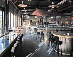 Café und Restaurant Stork in Amsterdam, gestaltet von den Architekten von Cube. Der Charme des alten Industriegebäudes blieb erhalten, die Einrichtung entwickelt von Interior Shock wurde perfekt auf den Industrie-Charakter abgestimmt. Ich liebe es!      Quelle: Stylinrooms, Archilovers    |