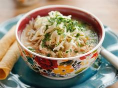 Get this all-star, easy-to-follow Slow-Cooker White Chicken Chili recipe from Ree Drummond