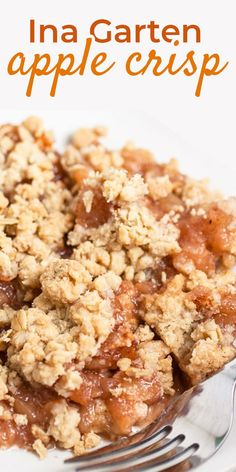 Ina Garten Apple Crisp The most AMAZING cinnamon baked apples & mouthwatering delicious, buttery struesel topping makes up this Ina Garten Apple Crisp. Apple crisp, or apple crumble as it is also known as, is… Continue Reading → Tolle Desserts, Köstliche Desserts, Delicious Desserts, Dessert Recipes, Yummy Food, Best Apple Crisp Recipe, Apple Crisp Easy, Apple Crisp Recipes, Apple Crisp Recipe Ina Garten