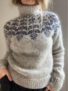 Icelandic Sweaters, Warm Sweaters, Cute Sweaters, Fair Isle Knitting, Hand Knitting, Knitting Patterns, Ravelry, Autumn Winter Fashion, Knitwear