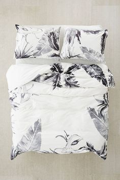 High quality and beautiful bedding covers, duvets, sheets and pillow cases for zen mood in your bedroom. Duvet Bedding, Linen Bedding, Bedding Sets, Bed Linens, King Sheets, Bed Sheets, Bedroom Inspo, Room Decor Bedroom, Dorm Room