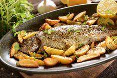 Truite au four : une recette de plat facile Asian Fish Recipes, Recipes With Fish Sauce, Whole30 Fish Recipes, White Fish Recipes, Easy Fish Recipes, Meat Recipes, Cooking Recipes, Polenta, Baked Trout