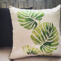 Diseño:Rocio Acosta Cojines estampados/satín/denim Plantas silvestres/2015 Menu Diseno