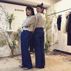 いいね!60.6千件、コメント315件 ― 石田ゆり子さん(@yuriyuri1003)のInstagramアカウント: 「SINMEの展示会に行ってきた☺ セミバギーデニムと グレーのカットソー☺ 黒のグルカパンツもかわいかったなぁ。 明日と明後日は for everyone! ぜひ。」