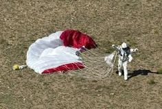 red bull stratos felix baumgartner space jump 2 21 Epic Photos of the Red Bull Stratos Space Jump Felix Baumgartner, Nasa Rocket Launch, Balloon Flights, Universe Today, Speed Of Sound, Epic Photos, Earth From Space, Skydiving, Interesting News