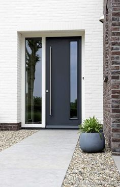 Best Exterior Doors Modern Design Ideas - October 14 2019 at Modern Entrance Door, Modern Exterior Doors, Modern Front Door, Exterior Front Doors, Front Door Design, House Door Design, Front Door Porch, Front Door Entrance, House Front Door