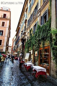 Getting lost amongst the streets of Rome, Italy. Visit our blog for tips on things to see & do!