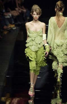 Antonio Berardi at Milan Fashion Week Spring 2004 - Livingly
