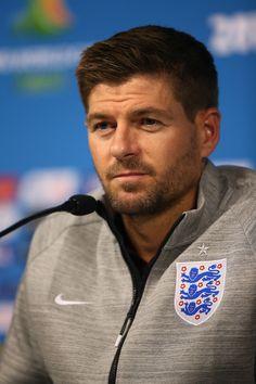Steven Gerrard Photos - England Training Session