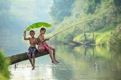 Não importando a localidade, cultura ou situação social e econômica, as crianças sempre estão à procura de brincadeiras e diversão.