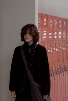 Ally Sheedy Breakfast Club, The Breakfast Club, Pretty People, Beautiful People, Androgynous Hair, Aesthetic Hair, Looks Cool, Cute Hairstyles, Character Inspiration