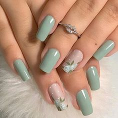Nail art is a very popular trend these days and every woman you meet seems to have beautiful nails. It used to be that women would just go get a manicure or pedicure to get their nails trimmed and shaped with just a few coats of plain nail polish. Cute Spring Nails, Spring Nail Colors, Spring Nail Art, Nail Designs Spring, Cute Nails, Pretty Nails, Cute Simple Nail Designs, Summer Nails, Mint Nail Designs