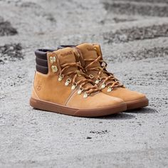 Timberland EK Groveton Alpine are also available in black online