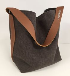 Bucket bag in pure hazelnut linen and fawn leather handle / Brown linen tote bag, worn on the shoulder in leather / Pure linen shopping bag Cuir Orange, Orange Leather, Diy Sac, Wedding Clutch, Purse Patterns, Leather Handle, Hobo Bag, Womens Tote Bags, Canvas Tote Bags