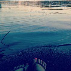 photo by kelso_lite: Waterside chillin