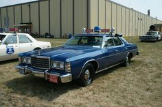 copcar dot com - The home of the American Police Car - Photo Archives Police Vehicles, Police Cars, Us Cars, Car Photos, Photo Archive, Law Enforcement, Car Show, Gentleman, France