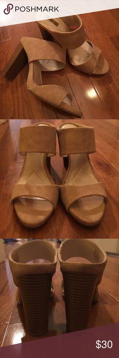 NEW Jennifer Lopez Heels NEW Jennifer Lopez Shoes worn only once Size 8 Jennifer Lopez Shoes Heels