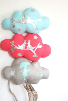 And I just wanted to share some pictures with. Cute Pillows, Crafty Craft, Applique Designs, Some Pictures, Decoration, Color Inspiration, Dinosaur Stuffed Animal, Colours, Christmas Ornaments