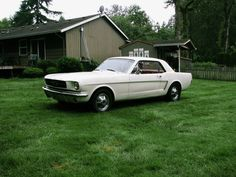Ford Mustang – the cult car among sports cars. With its 50th anniversary this year – this white beauty it the real deal – the 1964 Ford Mustang!