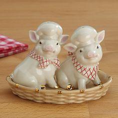 Pigs in a Basket Salt & Pepper Shaker Set