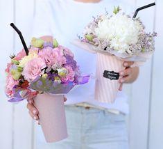 Bouquet Box, Hand Bouquet, Flower Box Gift, Flower Boxes, Dried Flowers, Paper Flowers, Flower Truck, Flower Packaging, Arte Floral