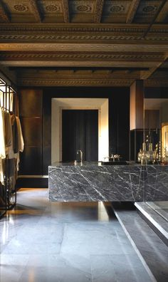 I love when the architect and client are committed to go all the way.  To make every room a masterpiece. Suspended bath, i imagine that was the architects idea and i love it.