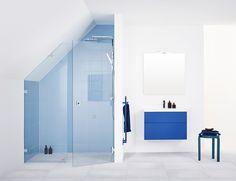 For mange som skal renovere badeværelse i et 1,5 plans villa, kan et badeværelse med skrå lofter oprindeligt give hovedpine.