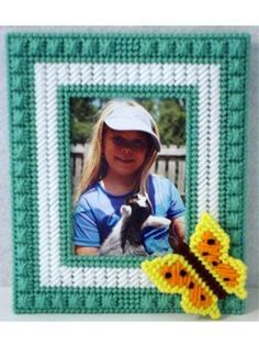 Plastic Canvas - Projects for the Home - Photo Frame & Album Patterns - Pretty Butterfly Frame
