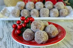 Aunt Mildred's Whiskey Balls - Try something new this holiday season for a tasty desert! Aunt Mildred's Whiskey Balls are simila - Alcohol Recipes, Candy Recipes, Dessert Recipes, Drinks Alcohol, Recipes Dinner, Baking Recipes, Cookie Recipes, Whiskey Balls Recipe, Whiskey Recipes