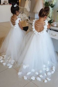 11 Hair Raising Wedding Dresses Ball Gown Sweetheart Corsets Fabulous Ideas.Dream Wedding Dresses Country Tulle Flower Girl, Princess Flower Girl Dresses, Princess Wedding Dresses, Little Girl Dresses, Flower Dresses, Mermaid Dresses, Ball Dresses, Ball Gowns, Girls Dresses
