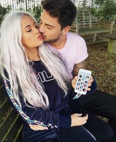 lottie tomlinson, one direction, and louis tomlinson image Charlotte Tomlinson, Lottie Tomlinson, Tomlinson Family, New Neighbors, Jesy Nelson, Perrie Edwards, Make New Friends, Grey Hair, Couple Pictures