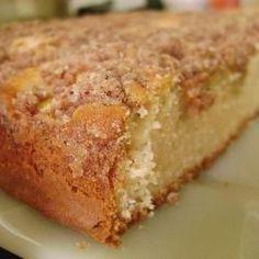 Cuca de banana @ allrecipes.com.br                                                                                                                                                                                 Mais Sweet Recipes, Cake Recipes, Dessert Recipes, Desserts, Cake Piping, Bread Cake, Brownie Cake, Love Cake, Sweet Bread