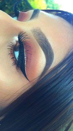 Three Essential Make Up Tips: Eyeliner Makeup On Fleek, Kiss Makeup, Cute Makeup, Pretty Makeup, Beauty Makeup, Hair Makeup, Eyelashes Makeup, Makeup Hairstyle, Eyebrow Makeup