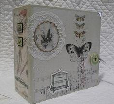 "Mini album 15x15cm. Collection toga ""cabinet de curiosité"""
