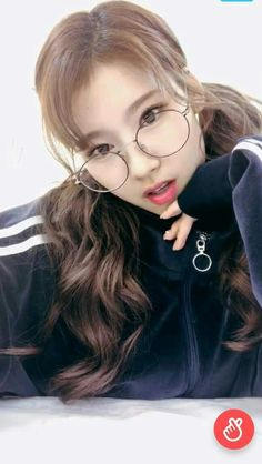 Sana-Twice 180122 Vlive Pop Showcase Always Love You, What Is Love, Shy Girls, Kpop Girls, Kpop Girl Groups, Korean Girl Groups, Sana Momo, Sana Minatozaki, Twice Once
