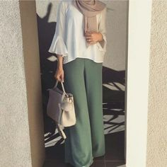 Ruffle blouse with palazzo pants hijab-Modest Summer Fashion Trends You Need to Follow – Just Trendy Girls