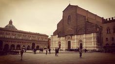 Piazza Grande #bologna #emiliaromagna #italia #italy #piazzamaggiore #piazzagrande #bolognaèunaregola #italian_places #italian_city #cittadarte #cittaitaliane #piazza #square #squareinstapic #urban #turismoer #ig_bologna #igersemiliaromagna #ig_italia #instacity #sanpetronio #basilicadisanpetronio #igersbologna #bologna_city by elimor77