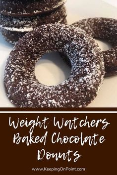 Baked Chocolate Donuts – 3 SmartPoints Weight Watchers Baked Chocolate Donuts - only 3 points each for blue, green and purple! Weight Watchers Muffins, Weight Watchers Meal Plans, Weigh Watchers, Weight Watchers Breakfast, Weight Watchers Smart Points, Weight Watchers Desserts, Donut Recipes, Ww Recipes, Sweet Recipes