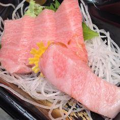 Fatty Tuna Sashimi #otoro #toro #torosashimi #foodstagram #foodie #sashimi…