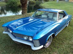 Buick Riviera Bellflower lowrider (from 1963)   Classic Cars <3