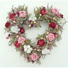 holiday Wreaths valentine - Spring Celebration Heartfelt Wreath 20 in Valentine Day Wreaths, Valentines Day Decorations, Valentine Day Crafts, Holiday Wreaths, Valentines Day Decor Outdoor, Valentines Flowers, Spring Wreaths, Wreath Crafts, Diy Wreath