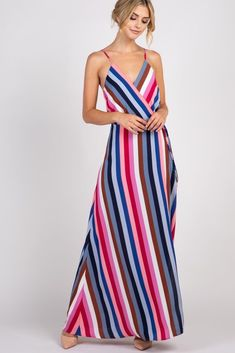 37 Outfits con Ropa de Rayas de Moda para un look con Estilo (2019) Maternity Maxi, Pink Blush Maternity, Maternity Fashion, Stripe Skirt, Striped Dress, Used Dresses, Maxi Wrap Dress, Prom Dress, Color Stripes