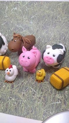Fondant Farm Animals – Fondant Farm Cake Topper Fondant Pig Cow Sheep Horse Chicken – Farm Party Toppers – Farm – Fondant Barnyard Animals - Bake a Cake 2019 Fondant Cake Toppers, Cupcake Toppers, Fondant Bow, Fondant Tutorial, Fondant Cupcakes, Fondant Flowers, Fondant Figures, Farm Animal Cakes, Fondant Animals