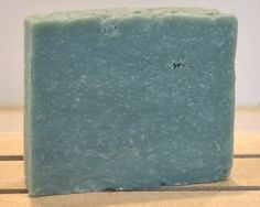 HUGE FAVORITE Florida Soap Company gives you a mixture of pineapple, juniper berries, lavender, neroli, coriander, ginger, violet, cactus, sage, bergamot and cardamom, sandalwood, amber, musk, vetiver, cedar, mahogany and pepper.  Smooth