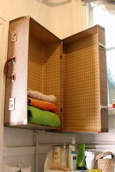 DIY-ιδέες-οργάνωσης-για-τις-πετσέτες-του-μπάνιου-σας.2.jpg (600×900)