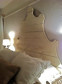 How to Build a Rustic Plank Headboard - using cedar planks and plywood. This is such a great project - via You Could Make That