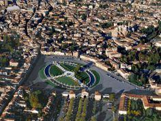 Padova Vista dall'alto. Prato della Valle una delle piu grandi piazze d'Europa e riusciamo anche a distinguere la Basilica di Sant'Antonio